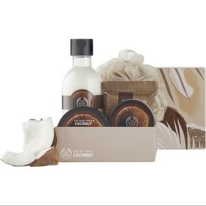 NWT The Body Shop Coconut Set